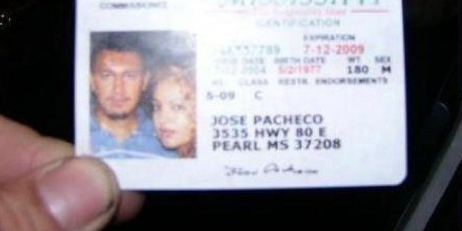 Ella quiere acompañarlo incluso sacando su licencia Foto:Twitter