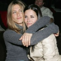 Jennifer Aniston y Courteney Cox Foto: Getty