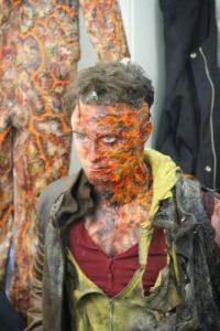 Aquí podemos ver a Daniel en su trasnformación a un terrorífico ser. Foto:Google+ /Daniel Radcliffe
