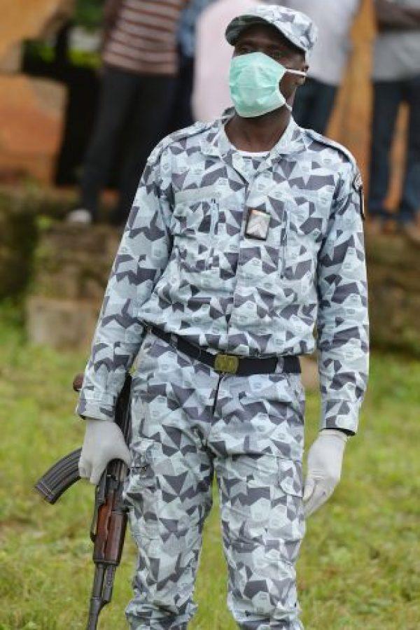 11. La familia del niño de dos años, que posteriormente falleció indicó que cazaba murciélagos. Foto:AFP