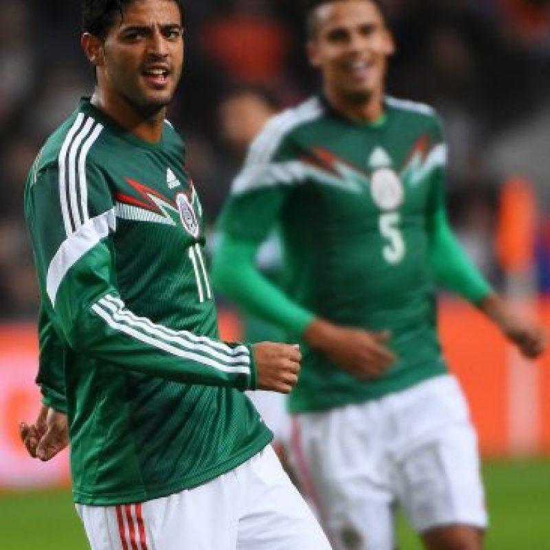 Carlos no había acudido a las convocatorias del seleccionado mexicano argumentando baja forma física o tener que adaptarse a sus clubes. Volvió este jueves haciendo los dos goles con los que México venció 3-2 a Holanda. Foto:Getty Images