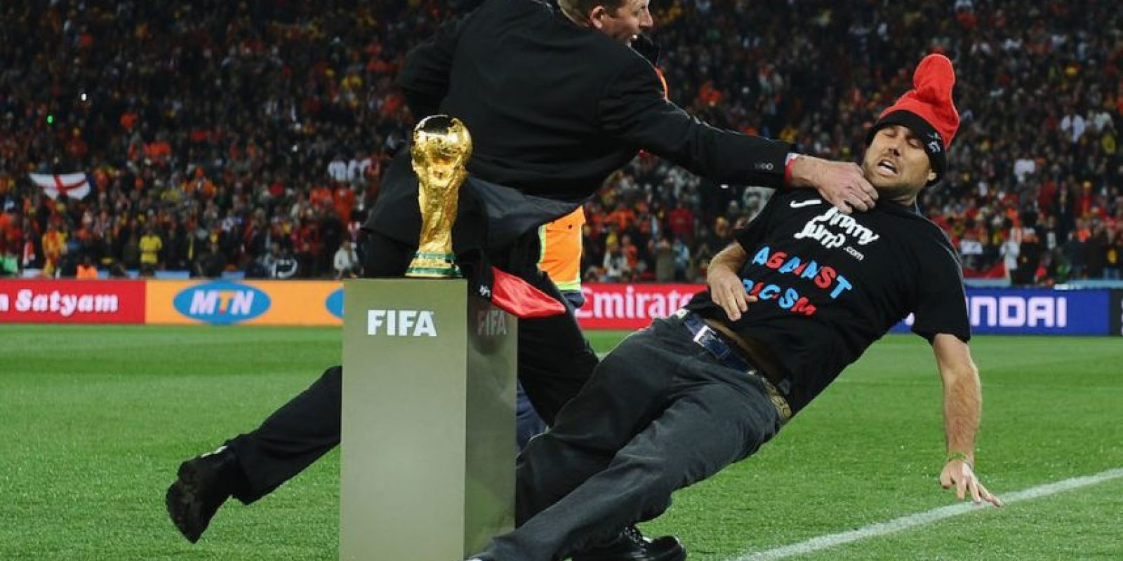 Jimmy no pudo tocar la Copa del Mundo que más tarde ganaría España. Foto:Getty Images