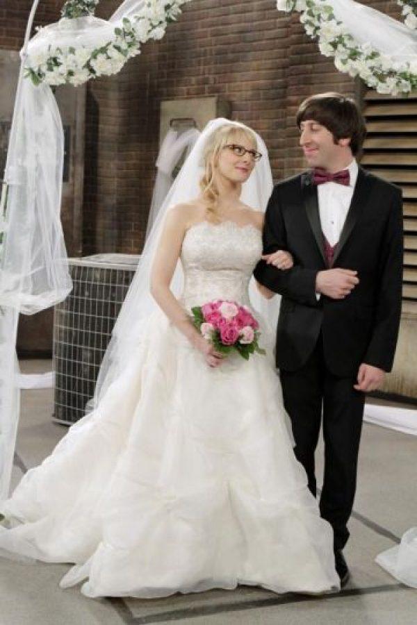 A pesar de no mostrar su rostro, la señora Wolowitz llegó hasta la boda de su hijo. Foto:Facebook/The Big Bang Theory