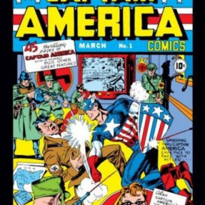 El capitán América llegó en marzo de 1941, un humano con superpoderes que luchaba contra los nazis. Lo interesante de la historieta es que apareció antes de que los Estadounidenses se involucraran en la Segunda Guerra Mundial. Foto:Marvel Comics