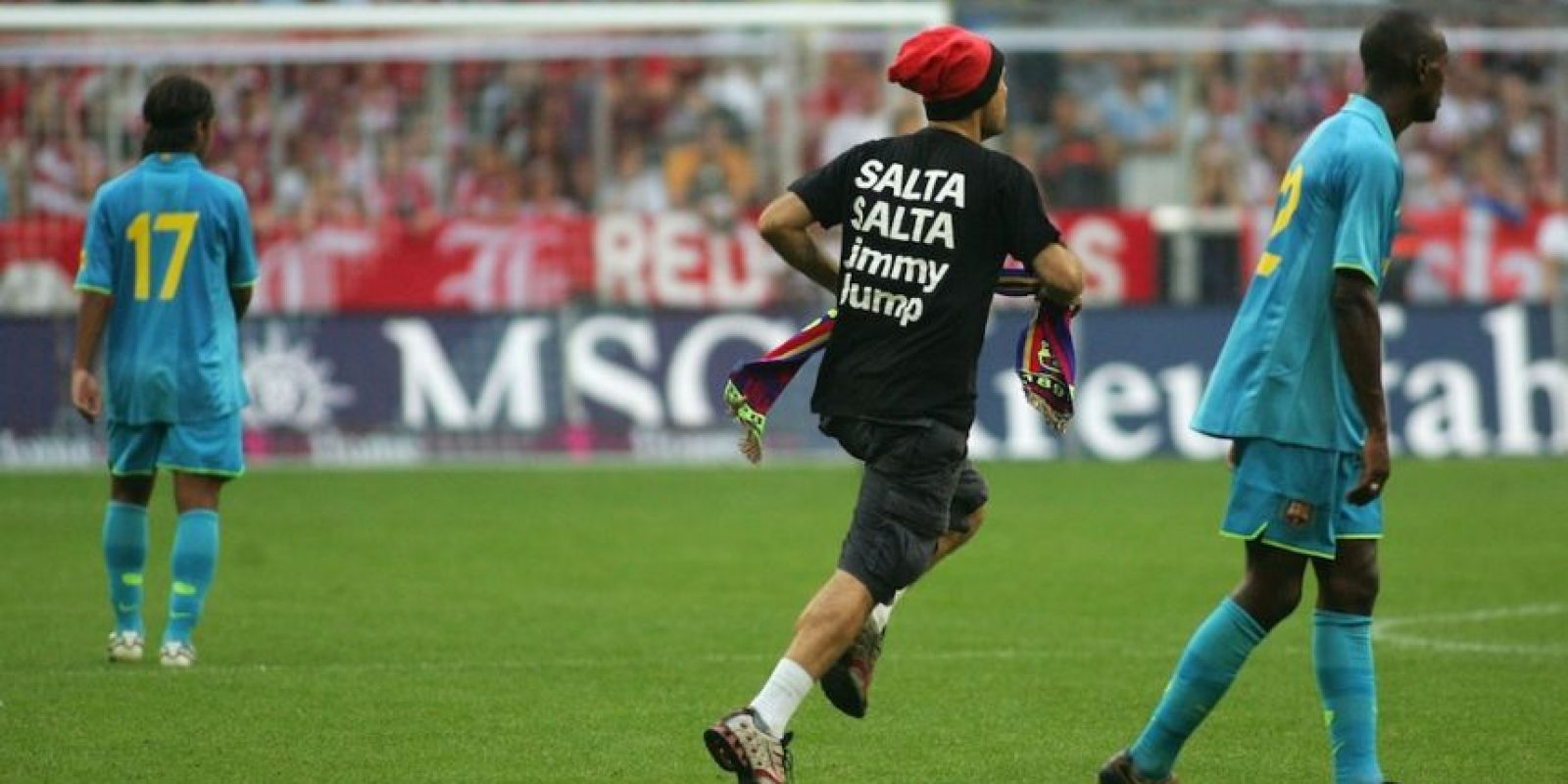Jimmy de igual forma invadió en 2007 la cancha del Allianz Arena de Múnich, Alemania. Foto: Getty Images
