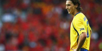 Tras el Mundial 2006, Zlatan Ibrahimović renunció a la selección sueca al ser expulsado de una concentración debido a llegar más tarde de la hora señalada. En 2007 limó asperezas con el entonces entrenador y ahora continúa jugando para los escandinavos. Foto:Getty Images