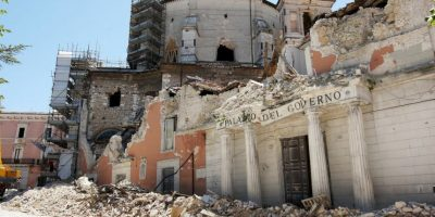 Diversos monumentos históricos también se vieron afectados. Foto:Getty
