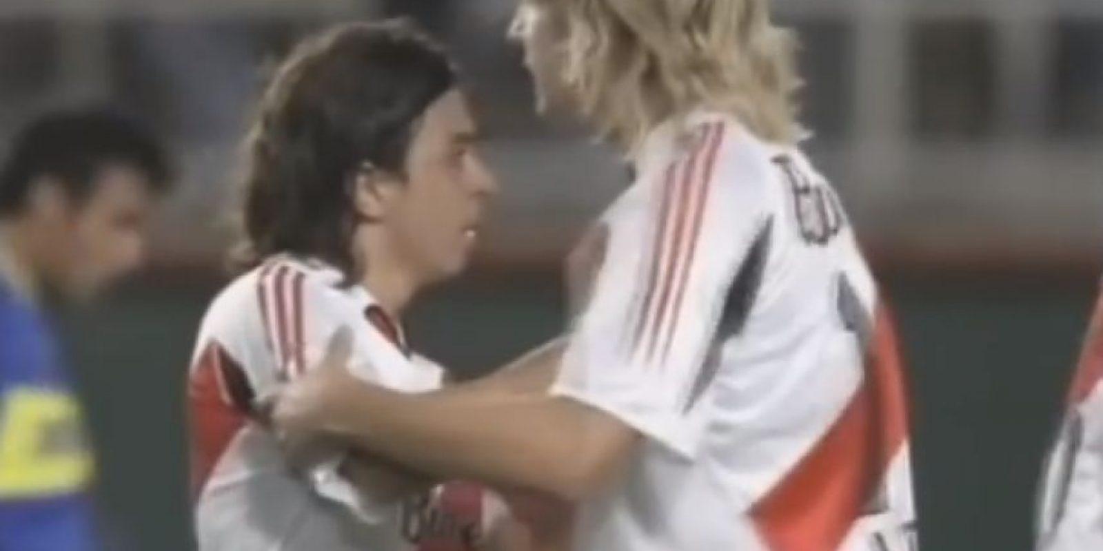 Boca vs. River en Libertadores. Si los clásicos de Argentina entre Boca Juniors y River Plate son llenos de pasión, lo son más cuando se disputan a nivel internacional y aún más en una semifinal de la Copa Libertadores. Foto:Youtube: Fox Sports