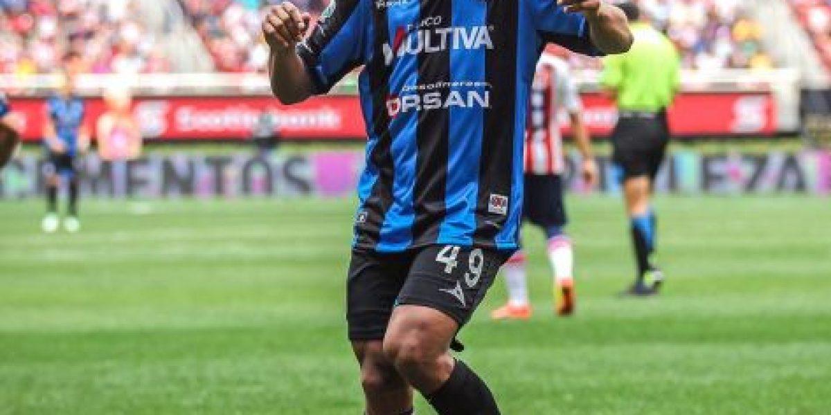 Juegos, famosas amistades y mucha comida... así se divierte Ronaldinho en México