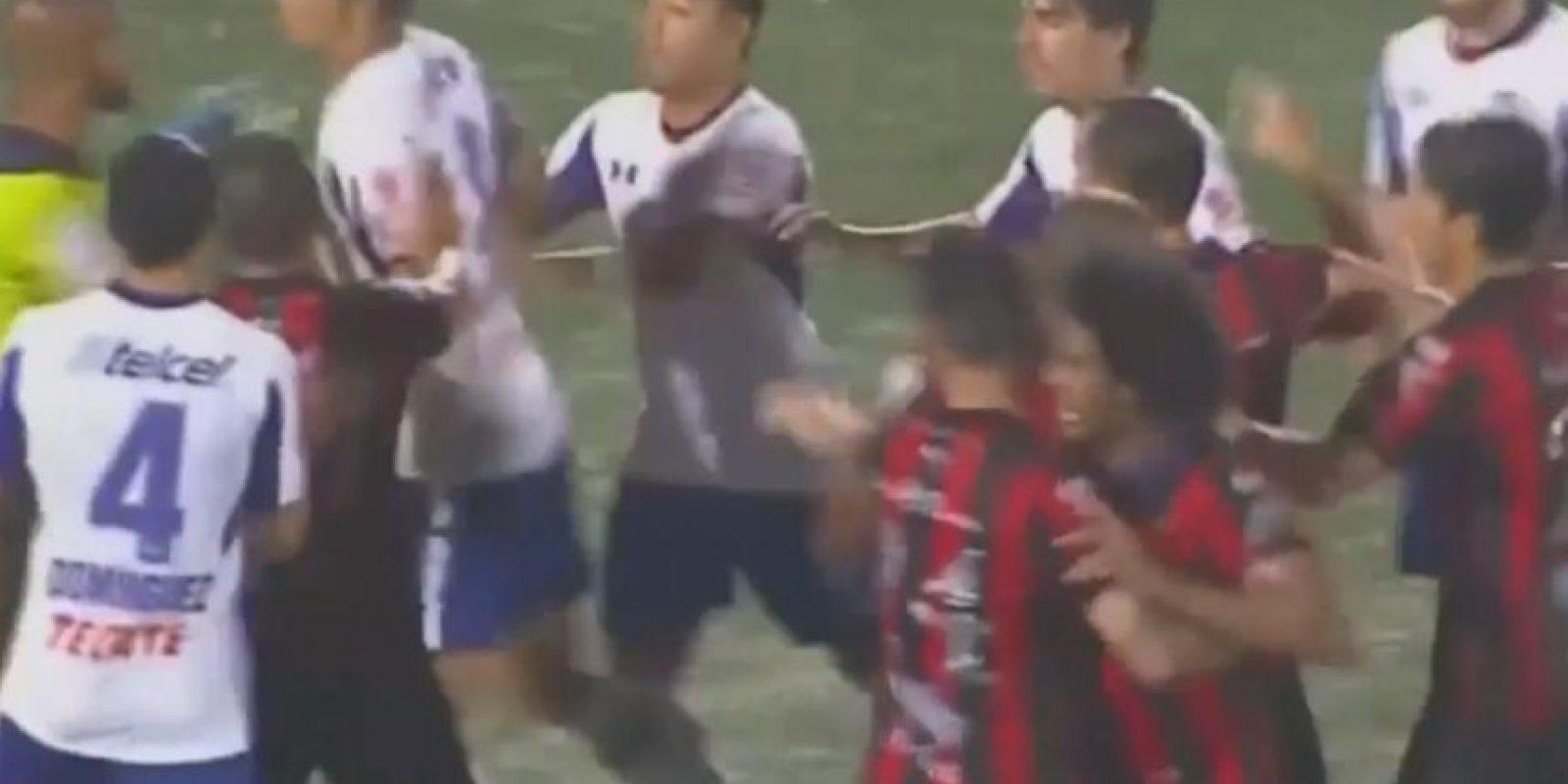 Alajuelense vs. Cruz Azul: Los celestes necesitaban ganar en tierras ticas para continuar con vida en la Concachampions de esta campaña. Foto:Youtube: Fox Sports