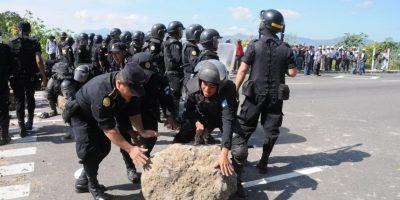 Fotos. PNC despeja algunos puntos bloqueados por campesinos