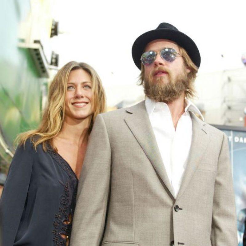 Por su parte, Aniston ha declarado que debió ir a terapia para superar su divorcio Foto:Getty