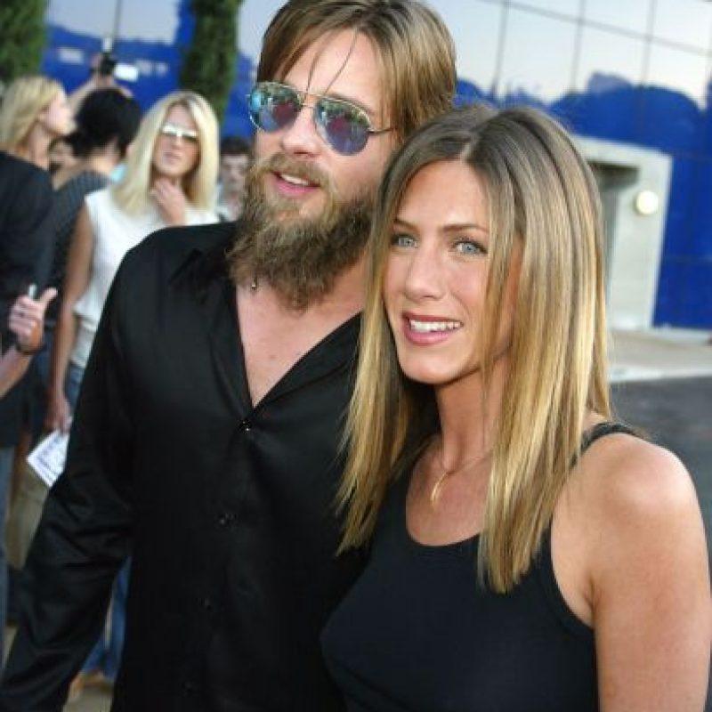 Aniston también ha criticado las declaraciones de Jolie, quien dijo que se enamoró de Pitt en el set de filmación Foto:Getty