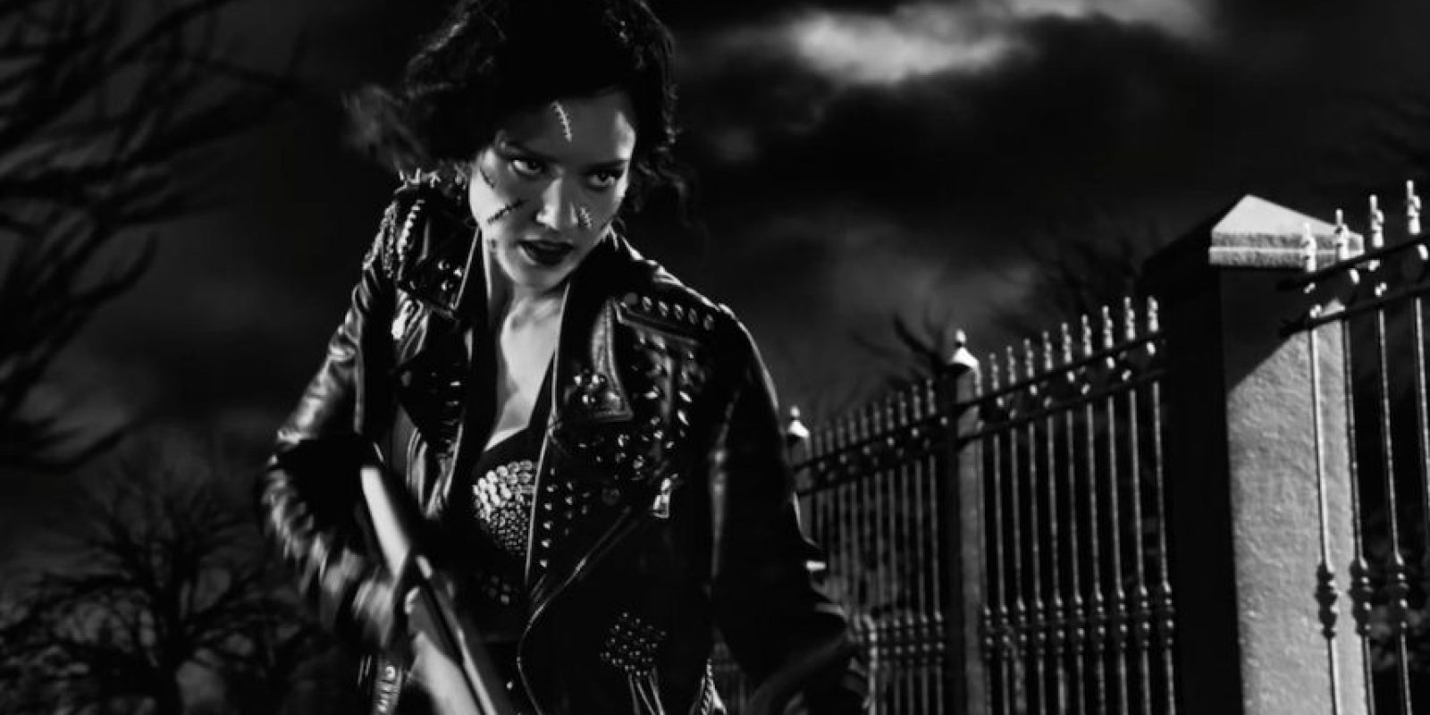 El personaje de Jessica Alba sufre una transformación durante el desarrollo del filme Foto:Cineguate