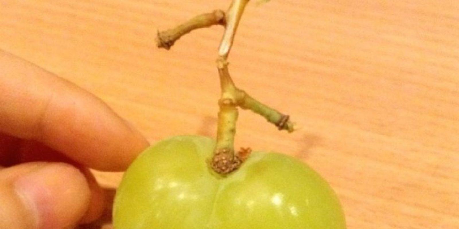 Con uvas Foto:Vía Twitter