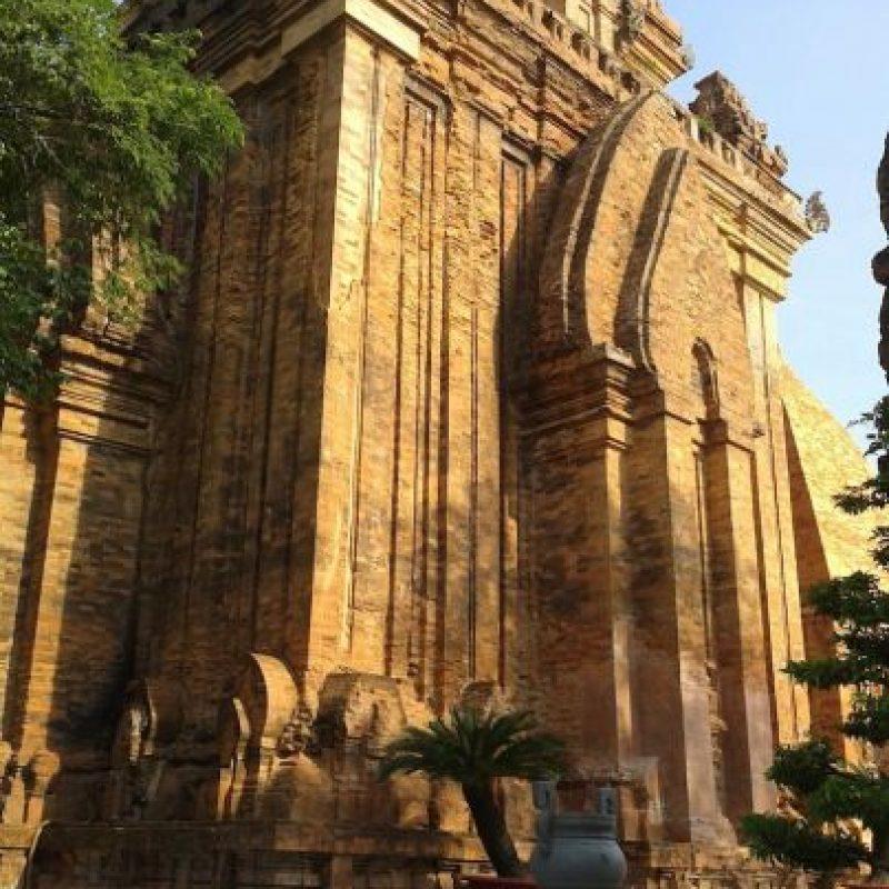 """""""Pogana pagoda in Nha Trang, Viet Nam"""". Lâm Trần Hoàng."""