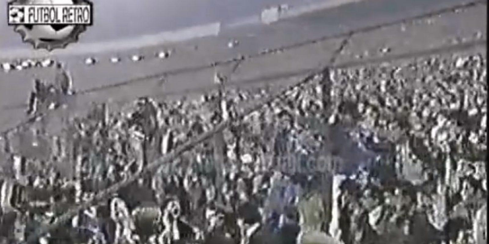 El escándalo de Santiago en 1991: Se jugaban las semifinales de la Copa Libertadores entre Boca Juniors y Colo Colo. En el partido de ida, que se disputó en el Estadio Nacional de Santiago, hubo una gran gresca en la que intervino el entonces DT xeneize, Oscar Washington Tábarez.