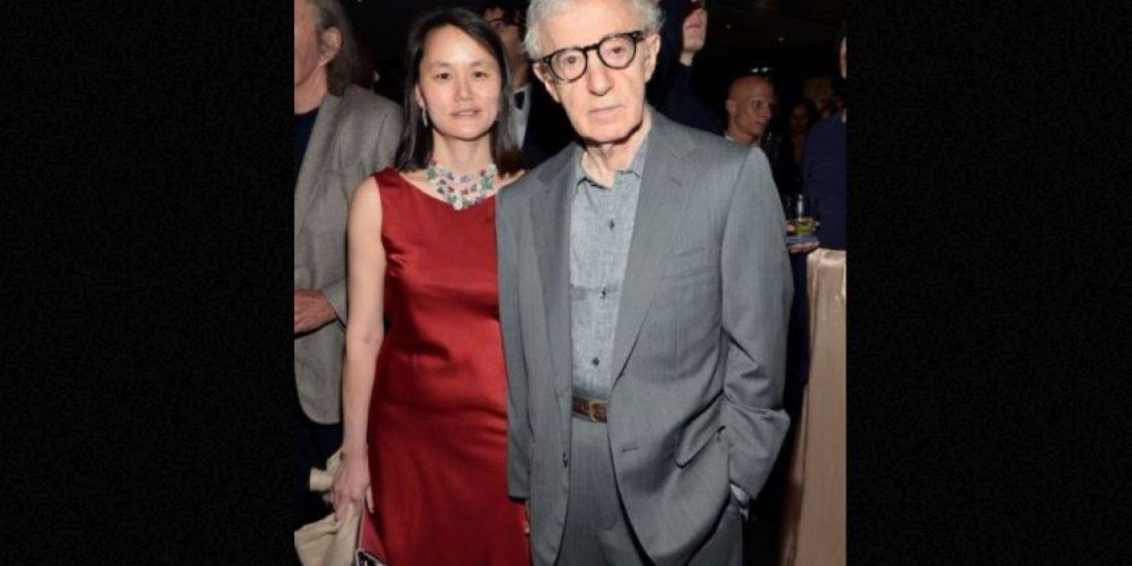 Woody Allen engañó a su novia Mia Farrow con su hijastra, Soon Yi Previn Foto:Getty Images