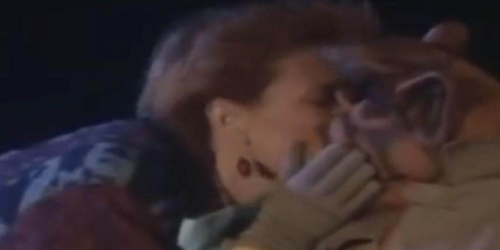 Pero fue capturado por la Fuerza de Tarea Extraterrestre. La familia se entera por agentes que Alf será torturado hasta agonizar. Foto:NBC