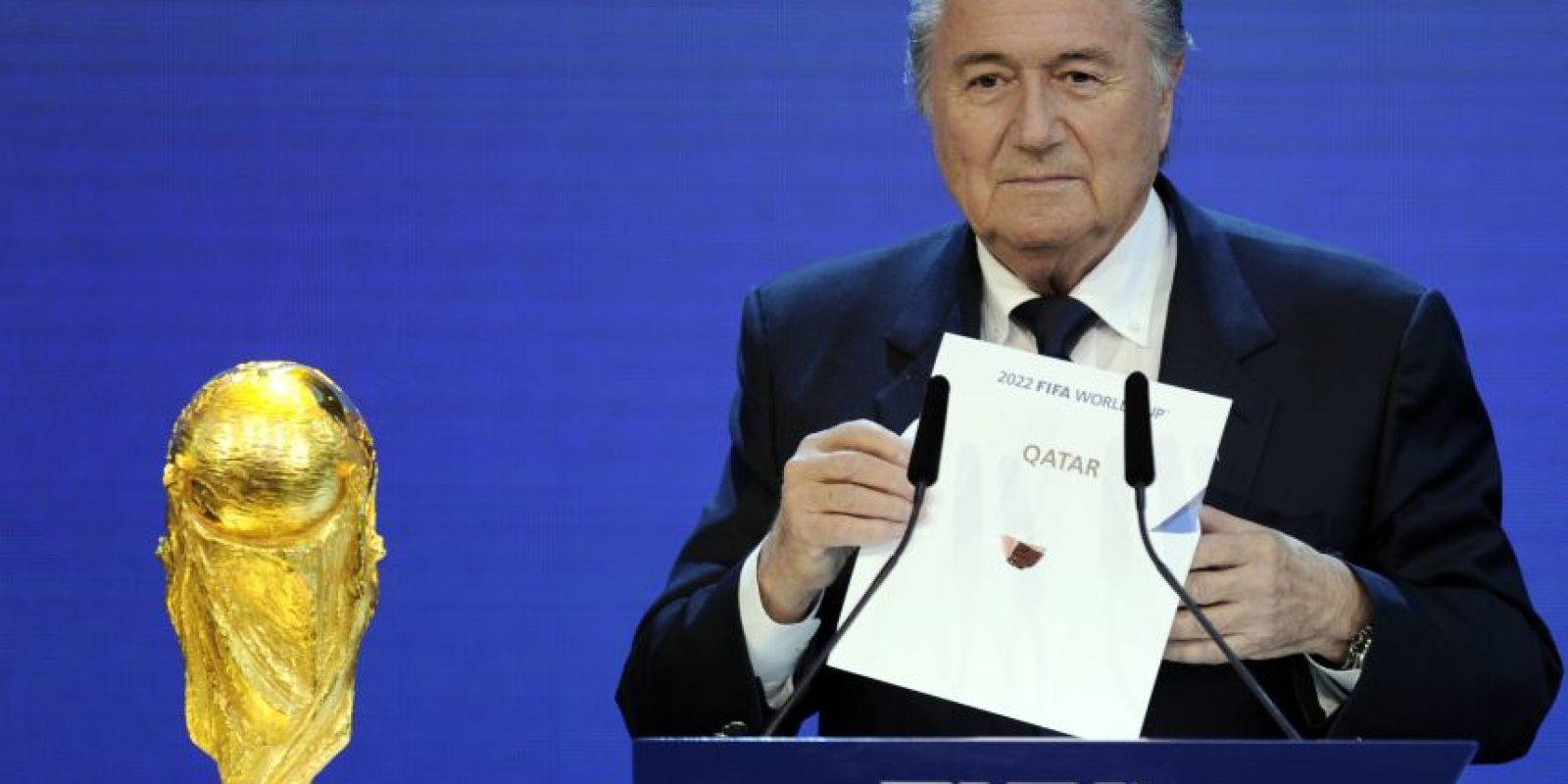 El presidente de la FIFA, Joseph Blatter, durante la elección de Catar para la sede del Mundial 2022. Foto:AFP