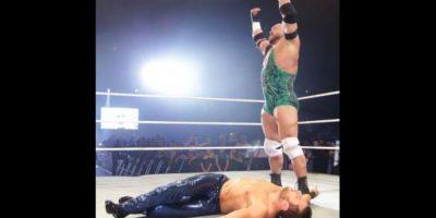El musculoso luchador se llama Ryan Reeves Foto:WWE