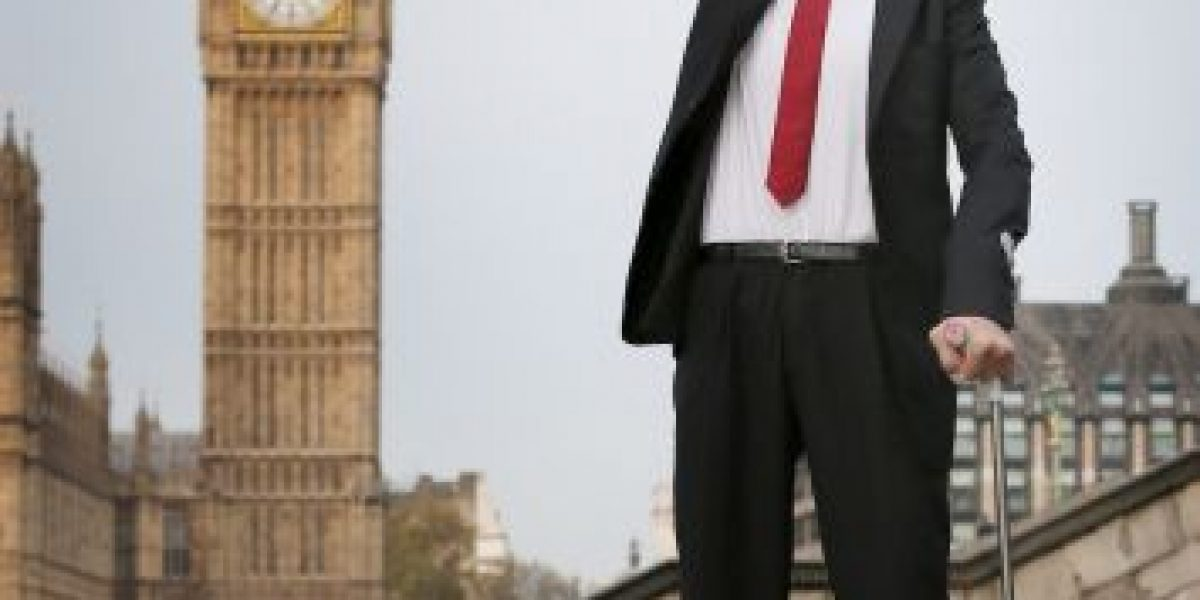 FOTOS: El hombre más alto del mundo y el más pequeño, juntos por primera vez