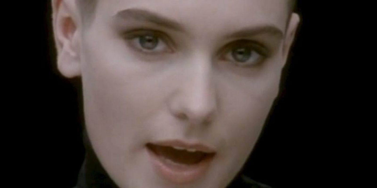 """Famosa por: Canciones de los 90 como """"Nothing compares 2u"""". Foto:Captura de pantalla"""