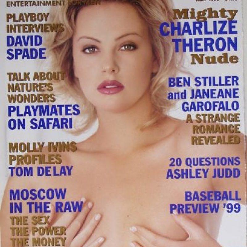 """En 1999, Charlize Theron recibió la módica cantidad de 20 mil dólares para posar en """"Playboy"""". Foto:Vía Playboy"""