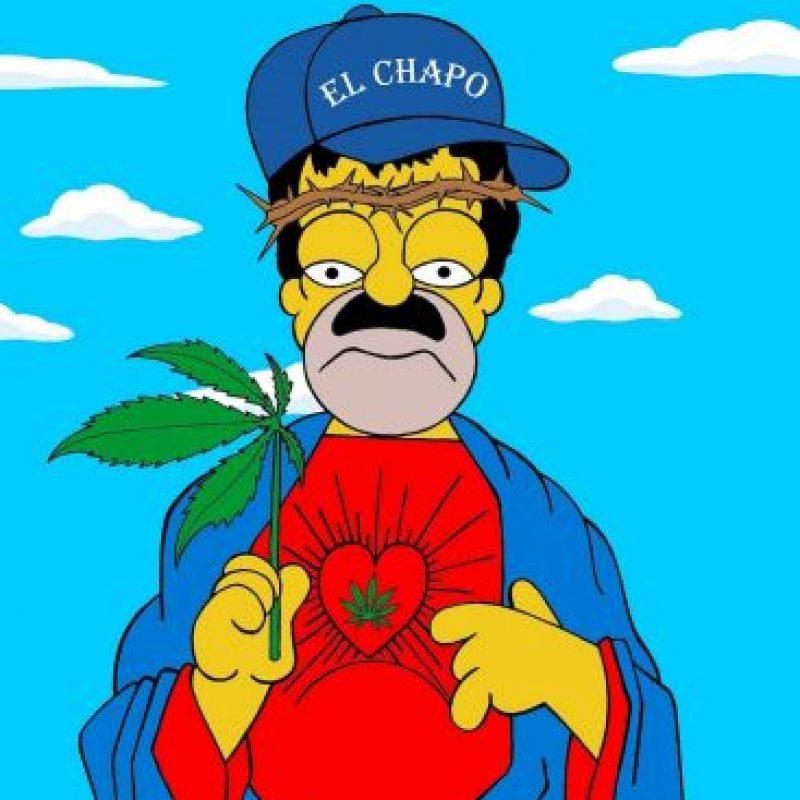 Homero Simpson vestido como Pablo Escobar y Joaquín, El Chapo, Guzmán Foto:aleXsandro Palombo