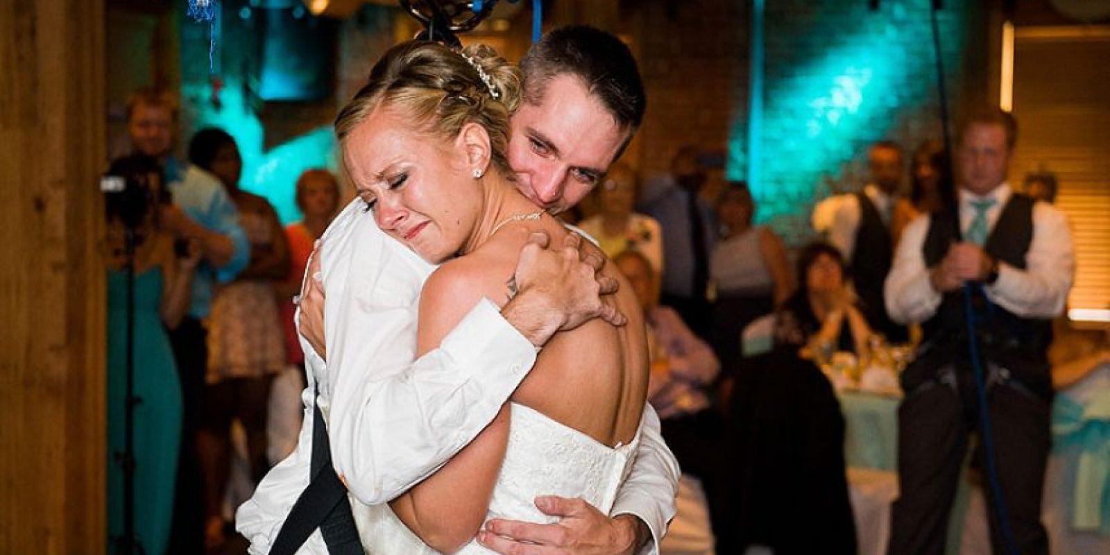 Los asistentes a la boda afirmaron que todos lloraban de emoción al ver a la pareja bailar Foto:Cortesía linnealiz.com