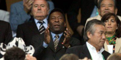 Pelé fue hospitalizado