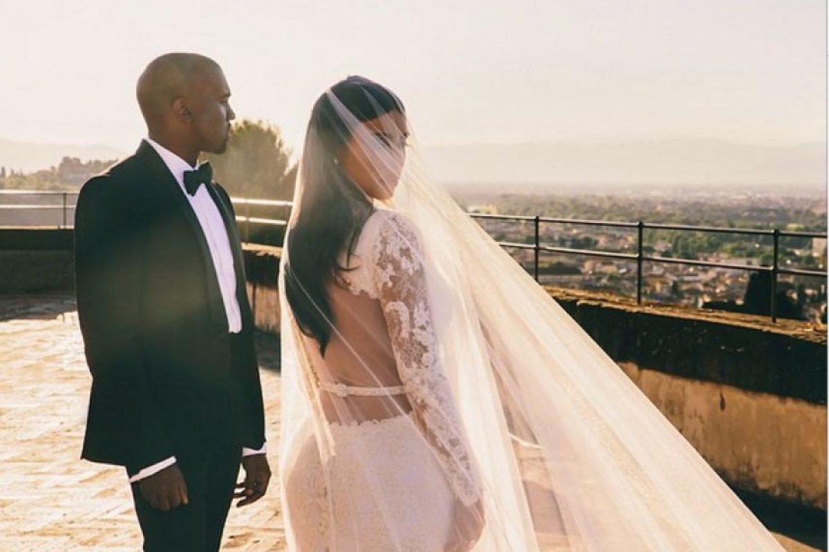 Tiene una hija con el rapero Kanye West Foto:Instagram @kimkardashian