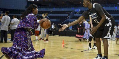 Los Timberwolves de la NBA realizaron una clínica con los niños indigenas de México Foto:AFP