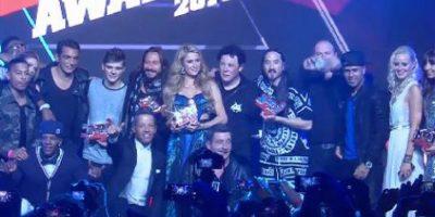 """Paris Hilton junto a todo los premiados en los """"NJR DJ Awards"""" Foto:Facebook/NRJ"""