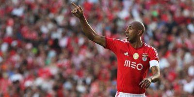 En 2012, Luisao agredió al árbitro dle encuentro entre el Benfica y el Fortuna Düsseldorf por considerar que había expulsado de manera injusta a uno de sus compañeros. Foto:Getty Images