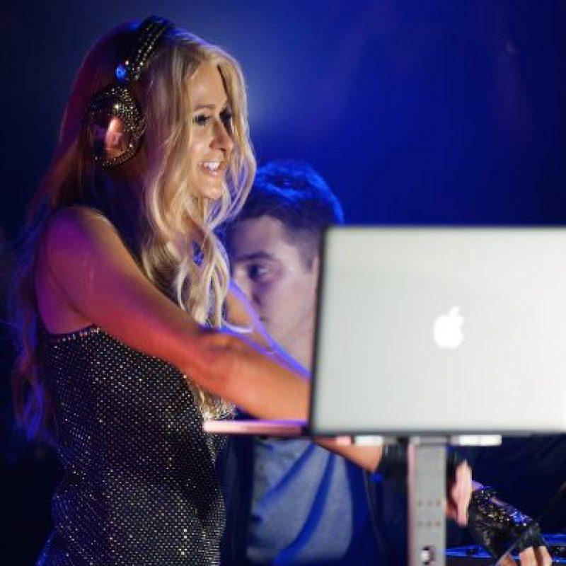 """Según el sitio TMZ, Sam Ronson -ex novia de Lindsay Lohan- calificó a Hilton como """"un fraude y una vergüenza para los que trabajan"""" en esta industria. Foto:Getty Images"""