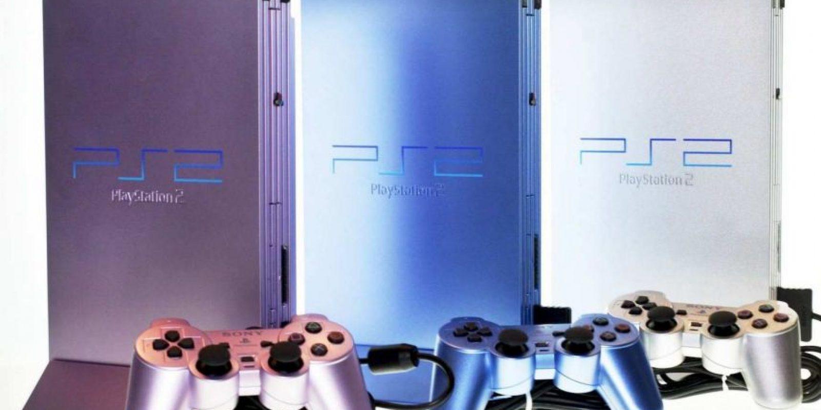 PlayStation 2 Slim morada, azul y plateada Foto:SONY
