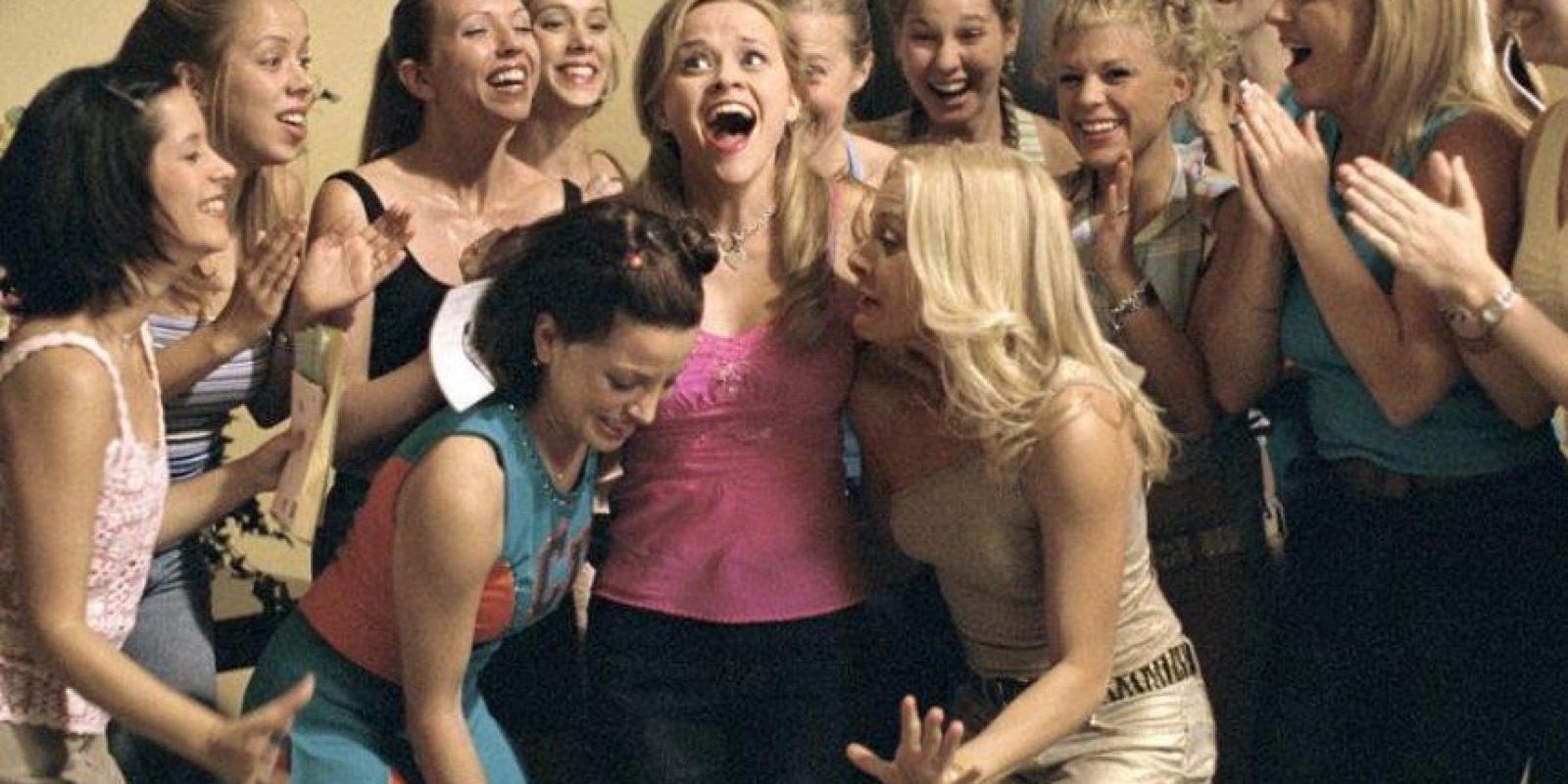 """Protagonizada por Reese Witherspoon, Selma Blair, Luke Wilson y producido por Marc Platt Foto:Facebook """"Legalmente rubia"""""""