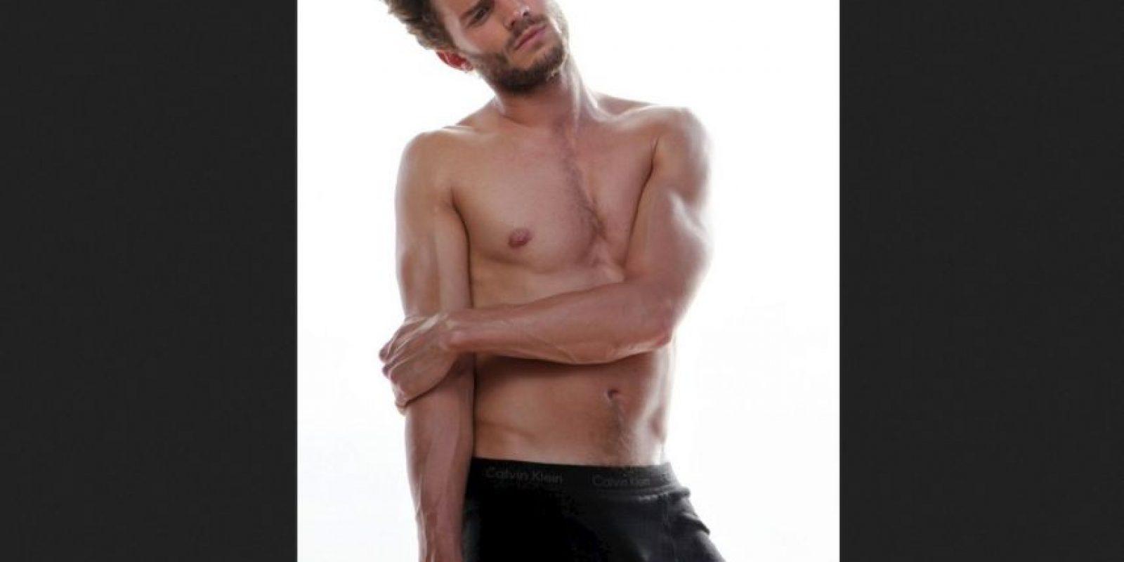 """Jamie Dornan era modelo y protagonista de editoriales de moda para las grandes revistas. También es actor, pero se hizo conocido por interpretar a Christian Grey en """"50 sombras de Grey"""". Aquí les dejamos sus fotos más sensuales Foto:Calvin Klein"""