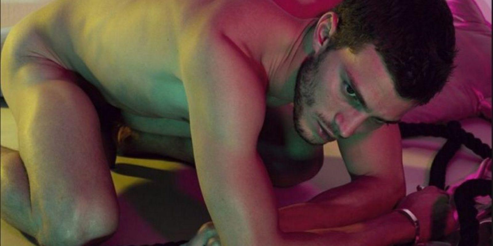 """Jamie Dornan era modelo y protagonista de editoriales de moda para las grandes revistas. También es actor, pero se hizo conocido por interpretar a Christian Grey en """"50 sombras de Grey"""". Aquí les dejamos sus fotos más sensuales Foto:Interview"""