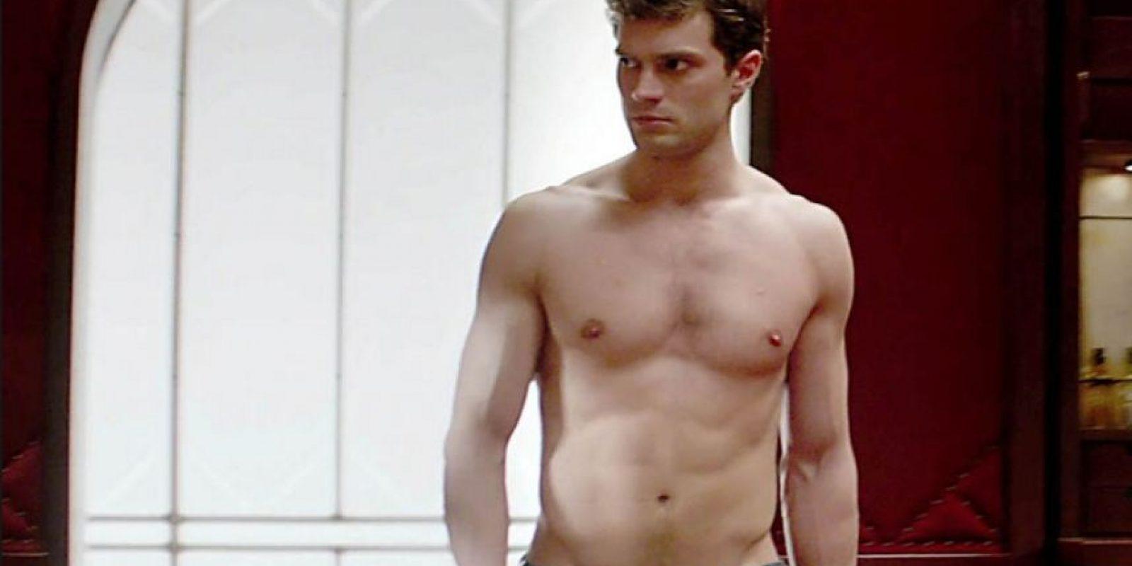 """Jamie Dornan era modelo y protagonista de editoriales de moda para las grandes revistas. También es actor, pero se hizo conocido por interpretar a Christian Grey en """"50 sombras de Grey"""". Aquí les dejamos sus fotos más sensuales Foto:Youtube"""