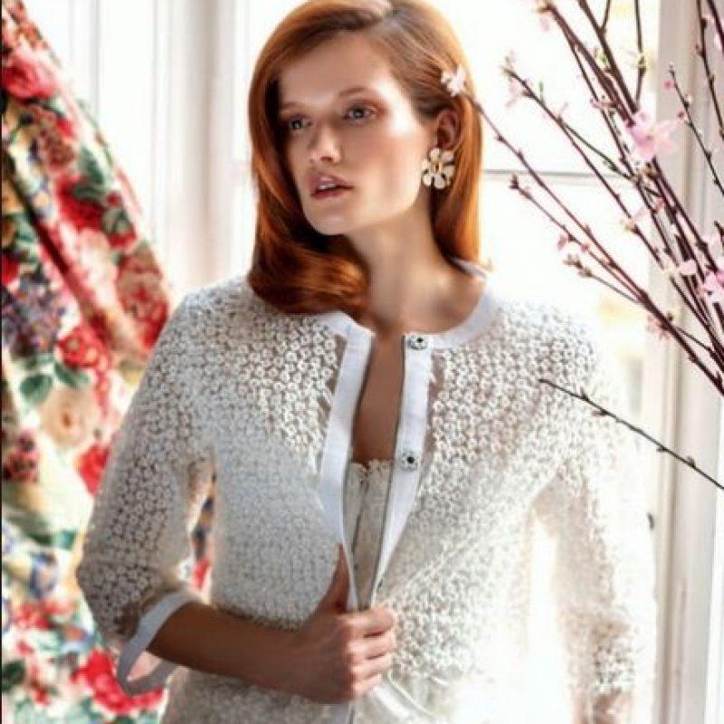 modelo checa de 26 años y cara de Prada y L'Oreal Foto:Harper's Bazaar