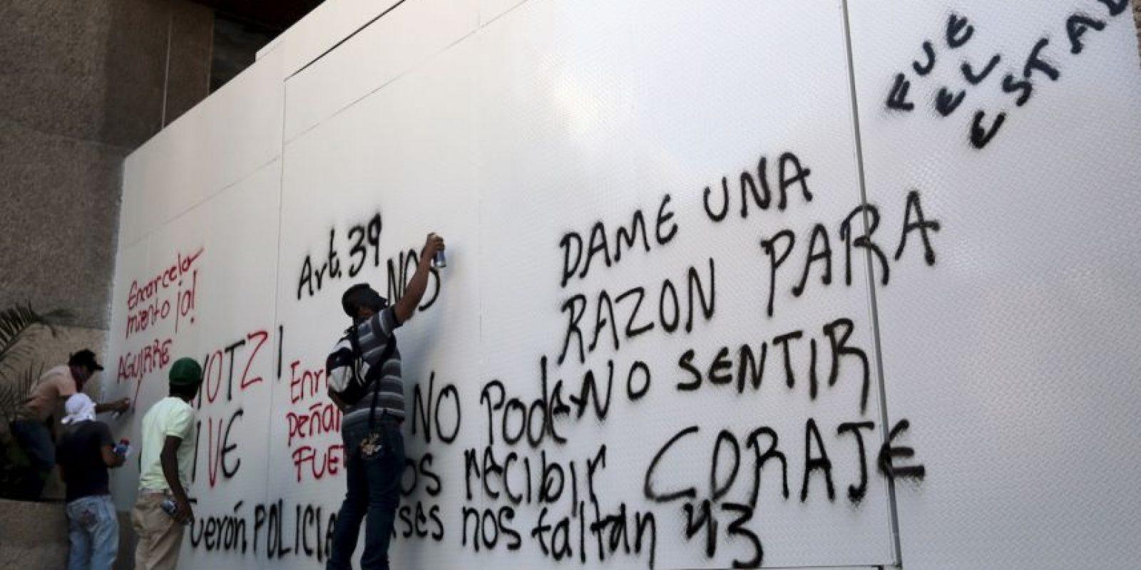 El Equipo Argentino de Antropología Forense (EAAF) es el que se ha destacado en México. Este equipo está formado por especialistas de Argentina, Colombia, México, Uruguay, Francia y Estados Unidos. Foto:AFP