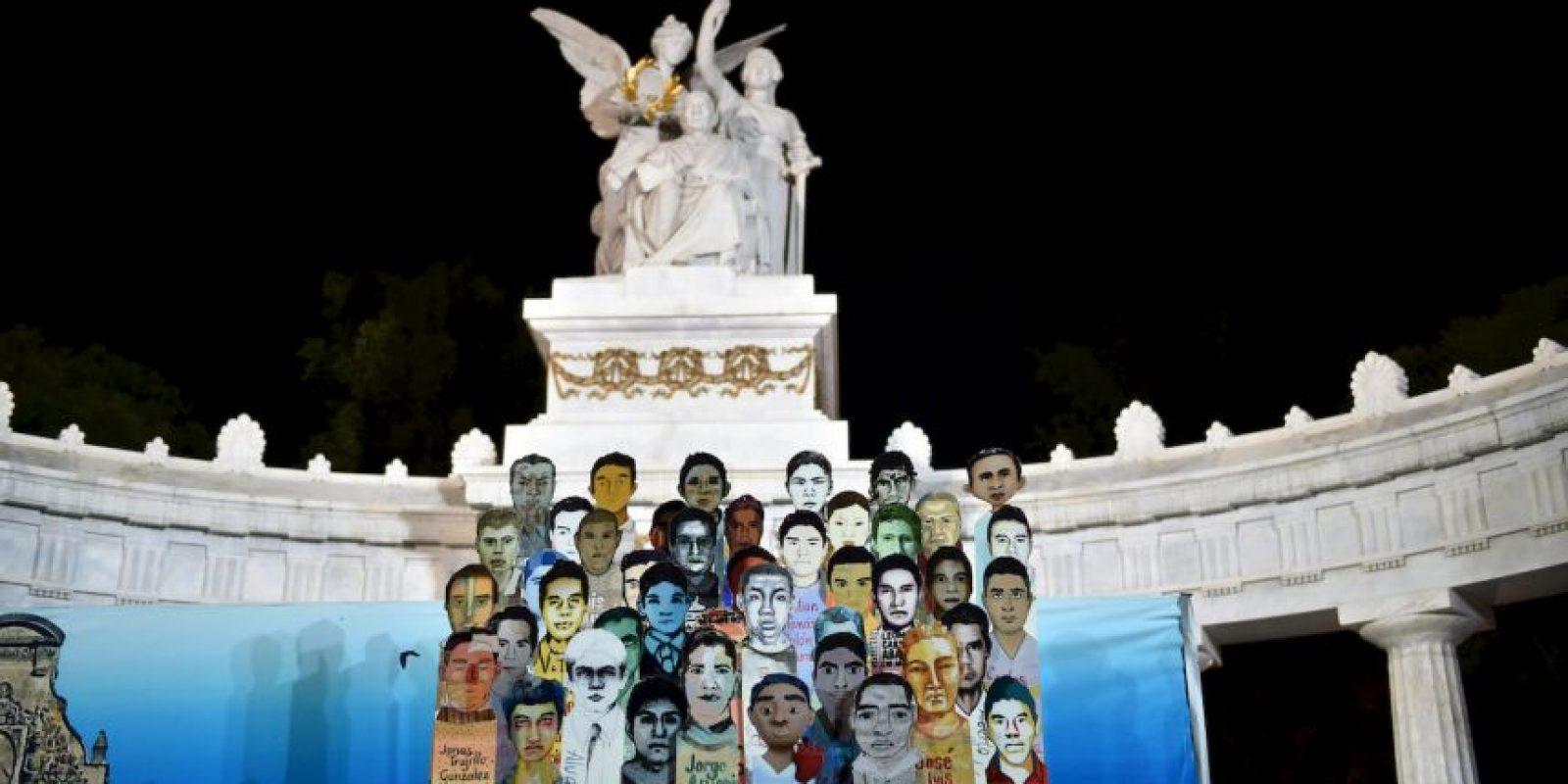 """""""Los mexicanos están comprensiblemente indignados con un gobierno que ha fracasado en dar seguridad, respetar el estado de derecho, lograr que los criminales respondan por sus actos y garantizar que haya justicia para las víctimas y sus familias"""", se asegura en el escrito. Foto:AFP"""