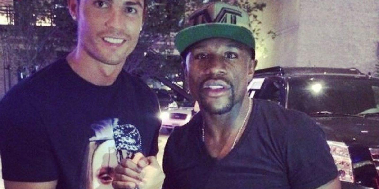 Con otras estrellas como Floyd Mayweather Foto:Instagram: @cristiano