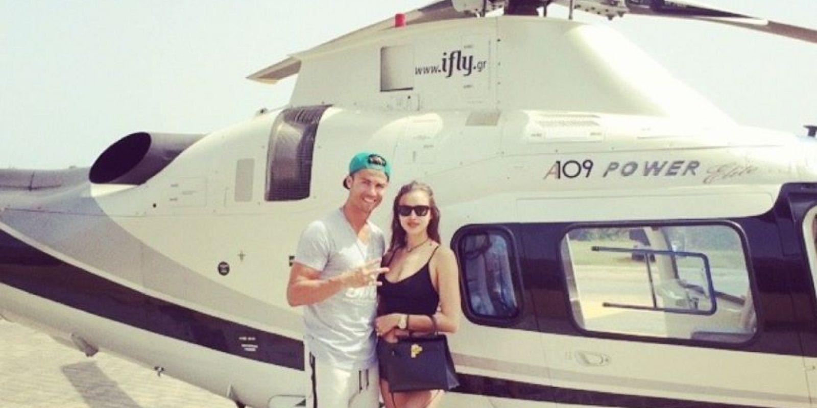 También comparte imágenes, en las que aparece con su novia Irina Shayk Foto:Instagram: @cristiano