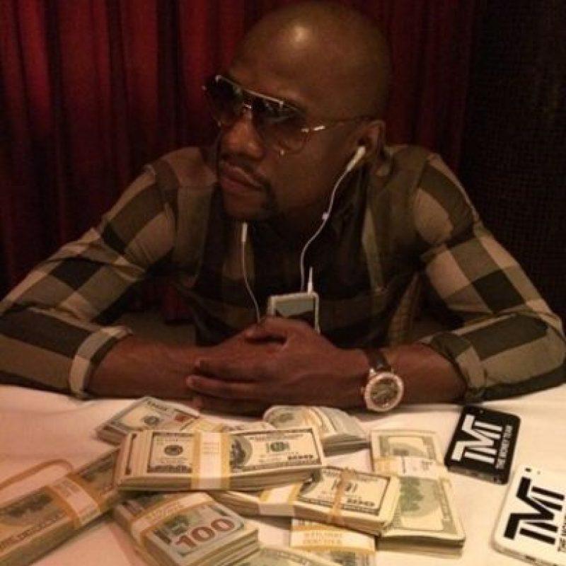 Money se caracteriza por mostrar su lujosa vida Foto:Instagram: @floydmayweather