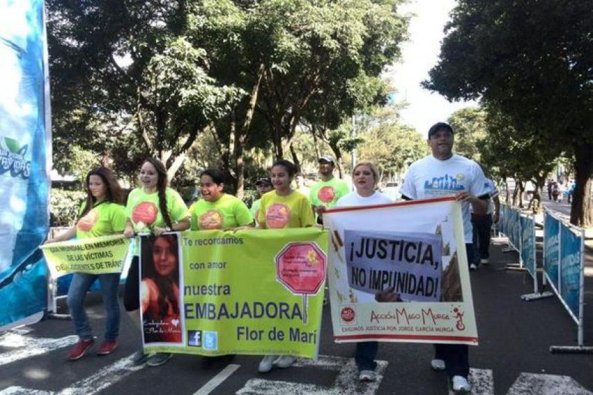 Familias participan en las actividades de prevención por los accidentes. Foto:PNC, Tránsito