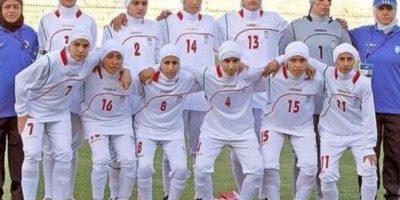 FIFA castigaría a Irán por tener hombres en Selección femenil
