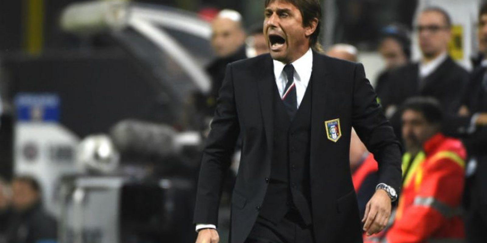 El entrenador italiano Antonio Conte se mostró inquieto durante todo el juego. Foto:AFP